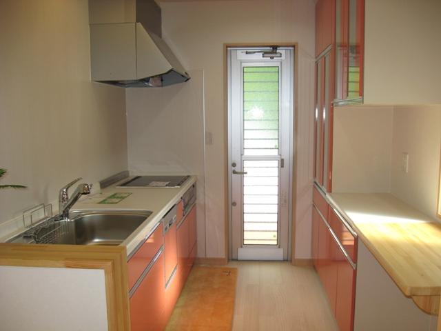 キッチン:設置場所は独立した場所になります、